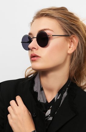 Мужские солнцезащитные очки MYKITA черного цвета, арт. STUDI0 1.4/INDIG0/G0LD/BRILLIANTBLUE | Фото 2