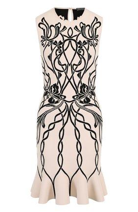 Приталенное мини-платье с круглым вырезом и принтом | Фото №1