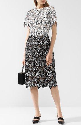 Приталенное платье с круглым вырезом и декоративной отделкой Oscar de la Renta черно-белое | Фото №1