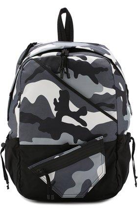 Текстильный рюкзак Valentino Garavani с камуфляжным принтом   Фото №1
