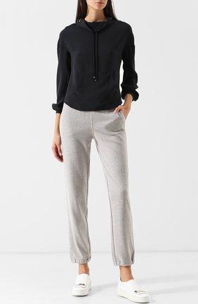 Однотонная шелковая блуза с воротником-стойкой   Фото №2