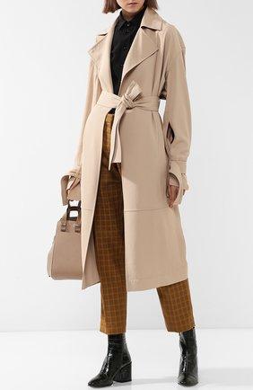 Однотонное пальто с поясом и карманами Victoria Beckham бежевого цвета | Фото №1