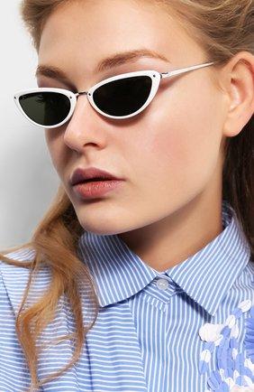 Солнцезащитные очки Linda Farrow белые | Фото №2