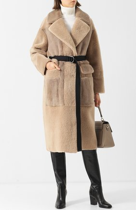 Меховое пальто с накладными карманами и поясом Blancha бежевая | Фото №1