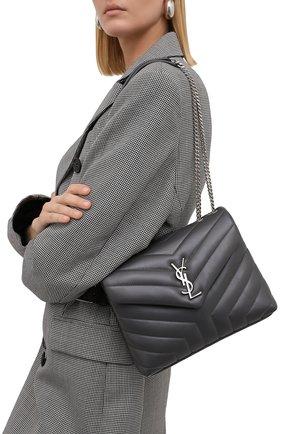 Женская сумка monogram loulou small SAINT LAURENT темно-серого цвета, арт. 494699/DV726 | Фото 2 (Размер: small; Ремень/цепочка: На ремешке; Материал: Натуральная кожа; Статус проверки: Проверена категория)