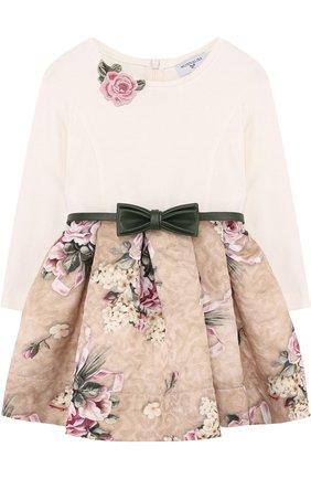 Детское платье с фактурной отделкой на юбке и поясом Monnalisa бежевого цвета | Фото №1