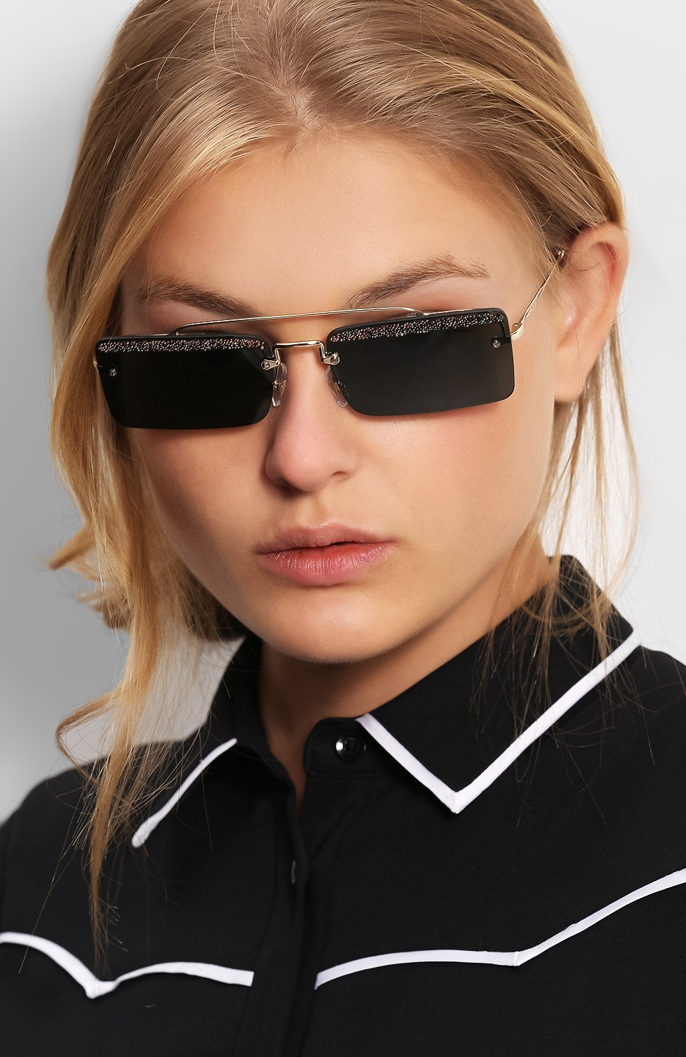 Солнцезащитные очки Miu Miu темно-серые | Фото №2