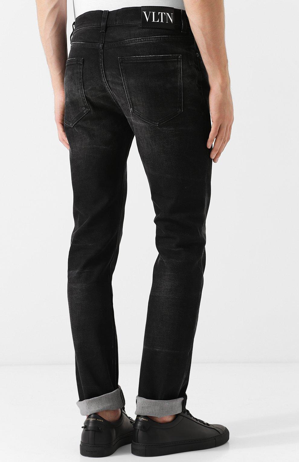 Джинсы прямого кроя с потертостями Valentino черные | Фото №4