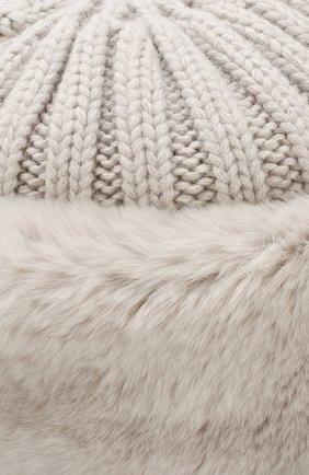 Шапка фактурной вязки с меховой отделкой | Фото №3