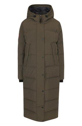 Стеганое пуховое пальто с капюшоном и нашивкой   Фото №1