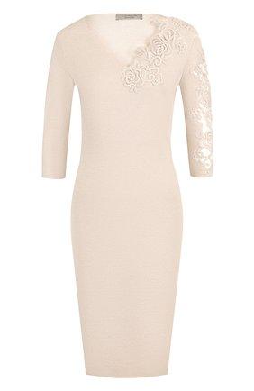 Однотонное платье с V-образным вырезом и декоративной вышивкой D.Exterior бежевое | Фото №1