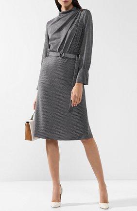 Шерстяное платье с поясом и воротником-стойкой Giorgio Armani серое | Фото №1