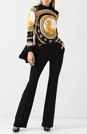 Женская блуза с воротником-стойкой и принтом Versace, цвет разноцветный, арт. A80236/A226712 в ЦУМ | Фото №1