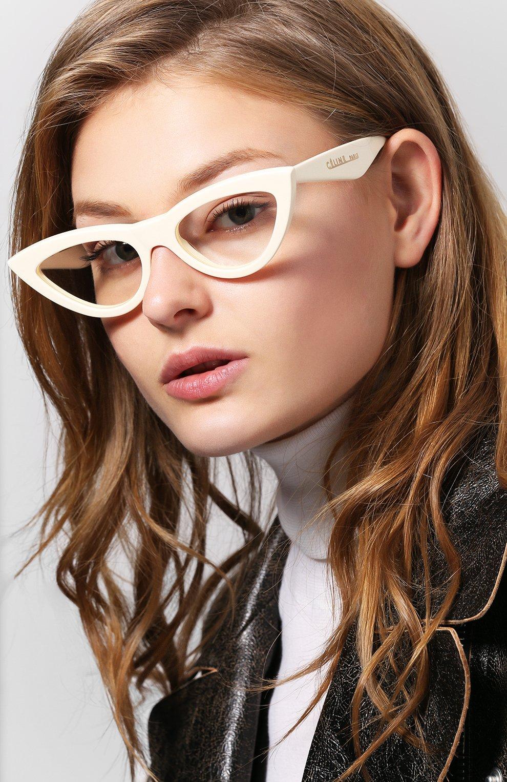 Женские солнцезащитные очки CELINE EYEWEAR белого цвета, арт. CL40019I 025 | Фото 2