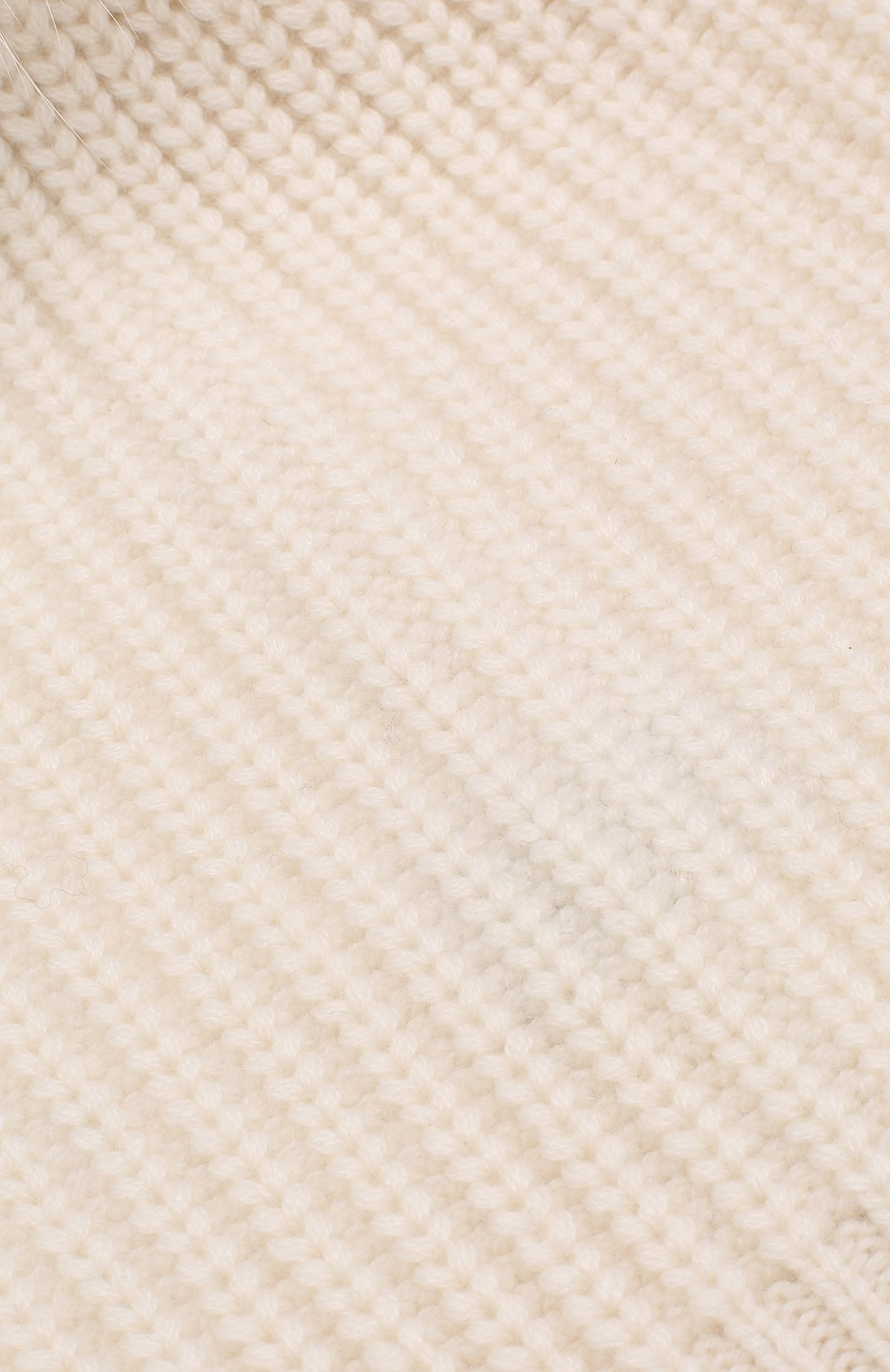 Кашемировая шапка фактурной вязки с меховым помпоном William Sharp белого цвета | Фото №3