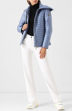 Женская однотонная стеганая куртка на молнии с карманами MICHAEL MICHAEL KORS голубого цвета, арт. MU82HVD7T3 | Фото 2