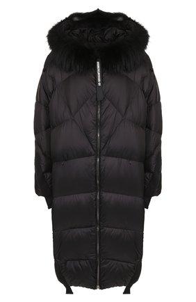 Стеганое пальто на молнии с капюшоном и меховой отделкой AS65 черная | Фото №1