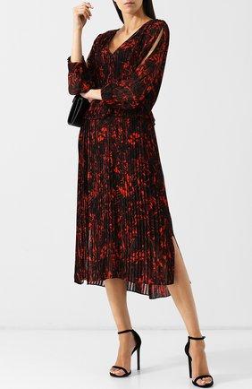 Плиссированное платье-миди с V-образным вырезом и принтом By Malene Birger коралловое   Фото №1