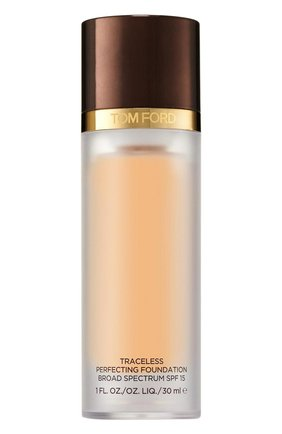 Крем-пудра Traceless Perfecting Foundation SPF 15, оттенок 4,5 Ivory | Фото №1