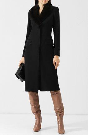 Приталенное кашемировое пальто с меховым воротником Colombo черного цвета | Фото №1