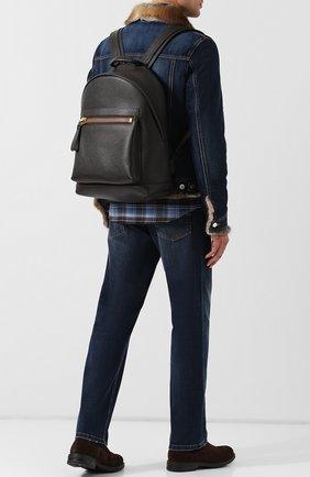 Мужской кожаный рюкзак TOM FORD темно-коричневого цвета, арт. H0250T-CG8 | Фото 2 (Материал: Натуральная кожа; Ремень/цепочка: На ремешке; Статус проверки: Проверено, Проверена категория)