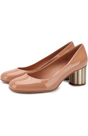 Лаковые туфли Lucca на фигурном каблуке Salvatore Ferragamo бежевые | Фото №1