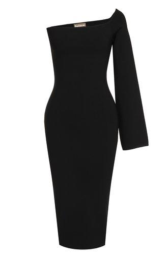 Приталенное платье-миди с открытым плечом