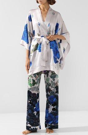 Шелковый халат с поясом и принтом   Фото №2