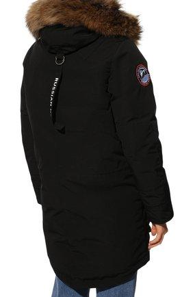 Женская парка с накладными карманами и меховой отделкой ARCTIC EXPLORER черного цвета, арт. CHILL_BLK_W | Фото 4