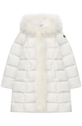 Стеганое пальто с меховой отделкой и капюшоном | Фото №1