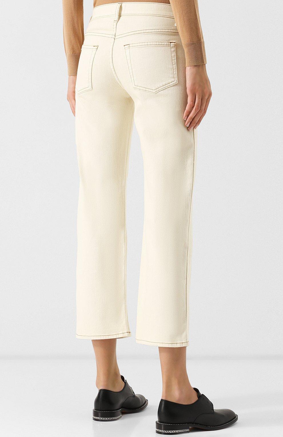 Укороченные джинсы с контрастной прострочкой | Фото №4