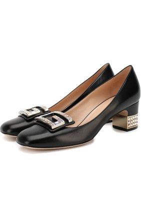 Кожаные туфли с отделкой кристаллами на устойчивом каблуке   Фото №1