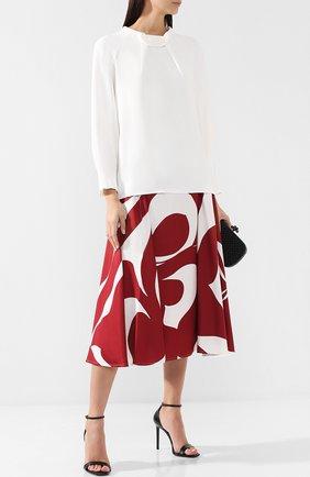 Женская однотонная блуза с воротником-стойкой Roland Mouret, цвет белый, арт. AW18/S0461/F2241 в ЦУМ   Фото №1