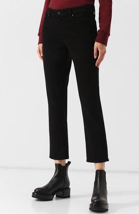Укороченные однотонные джинсы | Фото №3