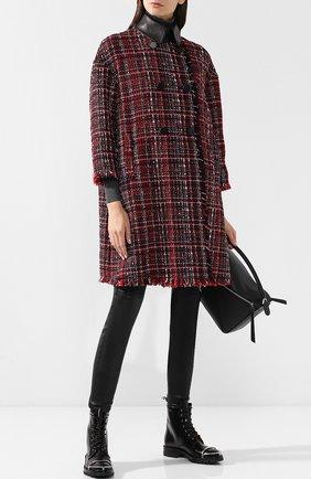 Вязаное двубортное пальто с бахромой Alexander McQueen красного цвета   Фото №1