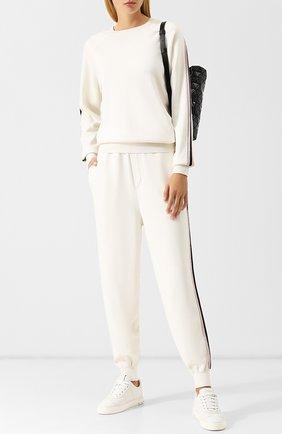Шелковый костюм с джоггерами и пуловером | Фото №1