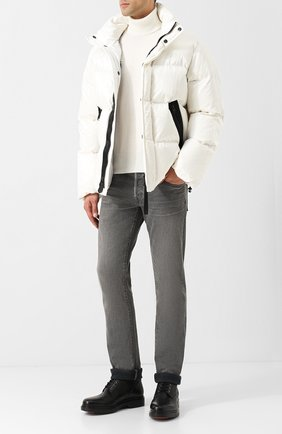 Пуховая куртка на молнии с воротником-стойкой   Фото №2