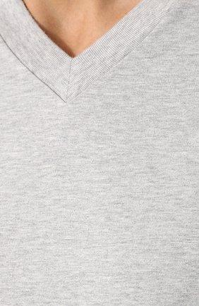Мужская хлопковая футболка с v-образным вырезом TOM FORD серого цвета, арт. BR238/TFJ927 | Фото 5