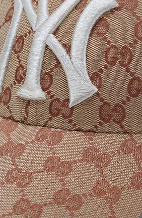 Текстильная кепка GG Supreme Gucci коричневого цвета | Фото №3