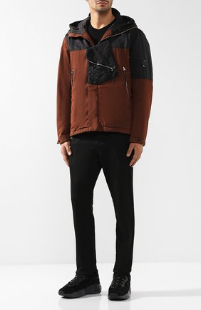 Хлопковая куртка асимметричного кроя на молнии с капюшоном C.P. Company коричневая | Фото №1