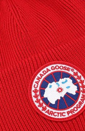 Шерстяная вязаная шапка с логотипом бренда Canada Goose красного цвета | Фото №3