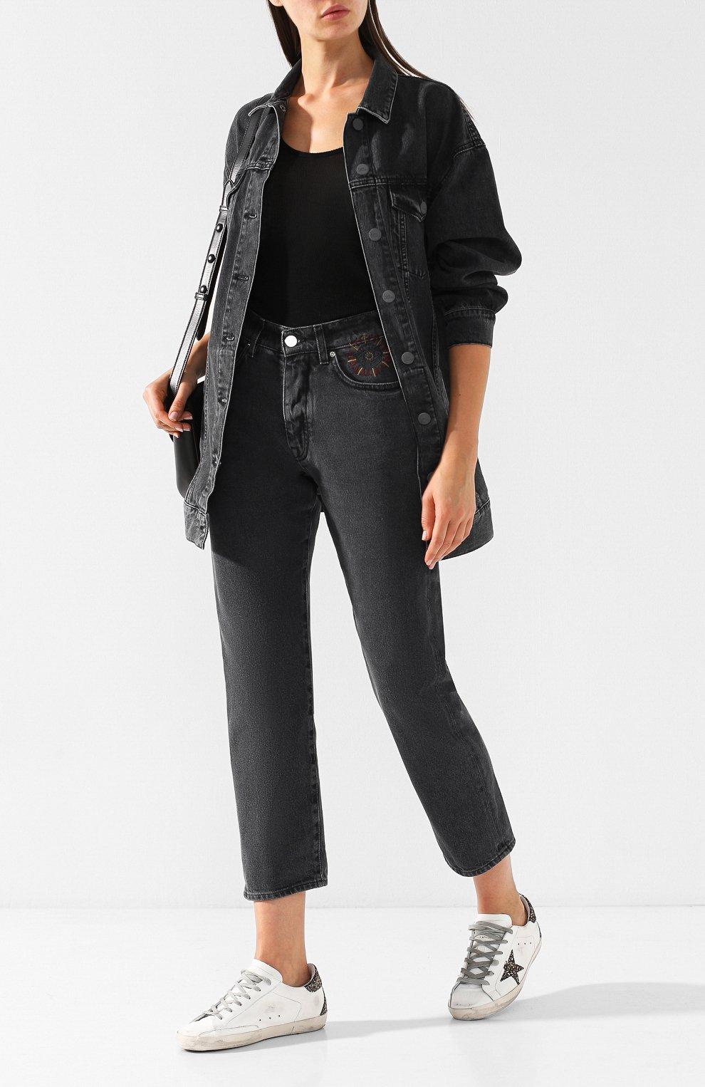 Укороченные джинсы с потертостями   Фото №2