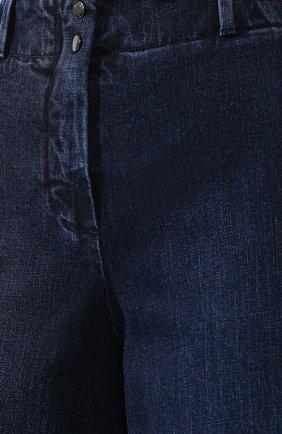 Женские укороченные джинсы с потертостями LORO PIANA синего цвета, арт. FAI2679   Фото 5