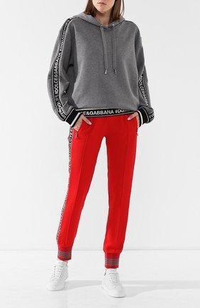 Женский хлопковый пуловер с капюшоном DOLCE & GABBANA серого цвета, арт. F9D14T/FU7DU | Фото 2