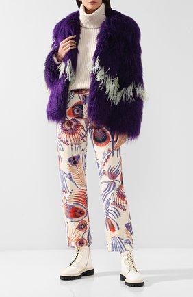 Меховое пальто с контрастными перьями   Фото №2