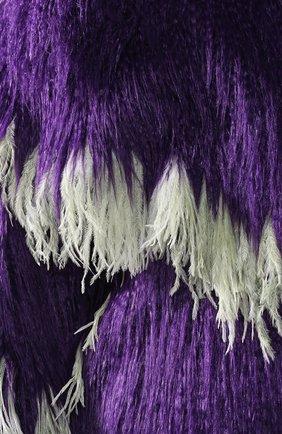 Меховое пальто с контрастными перьями   Фото №5