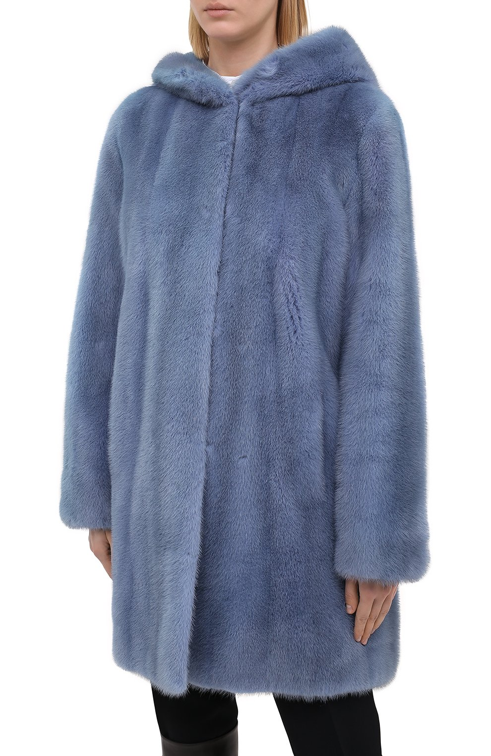 Шуба из меха норки с капюшоном Yves Salomon светло-голубая | Фото №3