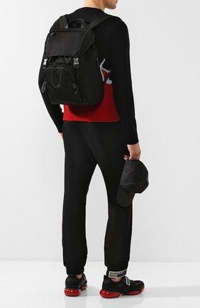 Мужской текстильный рюкзак с внешним карманом на молнии PRADA черного цвета, арт. 2VZ135-973-F0002-HOY | Фото 2