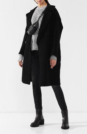 Женская двубортное пальто из овчины ANNE VEST черного цвета, арт. AW18/01/203/01/C0ZE | Фото 2 (Статус проверки: Проверена категория, Проверено; Рукава от горловины: Длинные; Рукава: Длинные; Длина (верхняя одежда): До колена; Материал внешний: Натуральный мех)