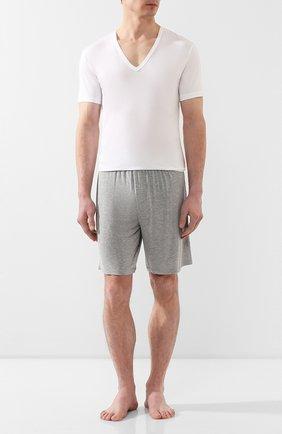 Мужская хлопковая футболка CALVIN KLEIN белого цвета, арт. NB1336A | Фото 2 (Рукава: Короткие; Материал внешний: Хлопок; Статус проверки: Проверено, Проверена категория; Длина (для топов): Стандартные; Мужское Кросс-КТ: Футболка-белье; Кросс-КТ: домашняя одежда)